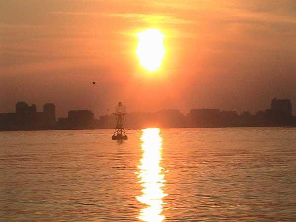 海の散骨-夕陽