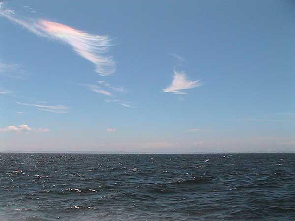 海の散骨-彩雲