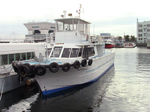 大型船のチャーター散骨